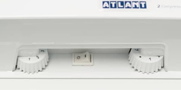 Холодильник ATLANT с механическим блоком управления.